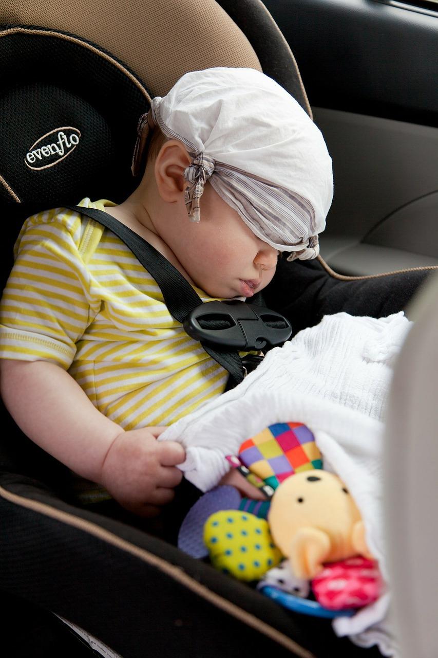 Usare bene i sistemi di ritenuta aiuta a proteggere i piccoli